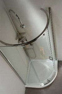 установка душевых шторок в Абакане